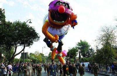 Muppet drummer Animal in the Jerusalem Chanukah parade. (Esty Dziubov/TPS)