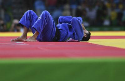 Sagi Muki of Israel reacts after being defeated by Lasha Shavdatuashvili of Georgia in Rio. (David Ramos/Getty)